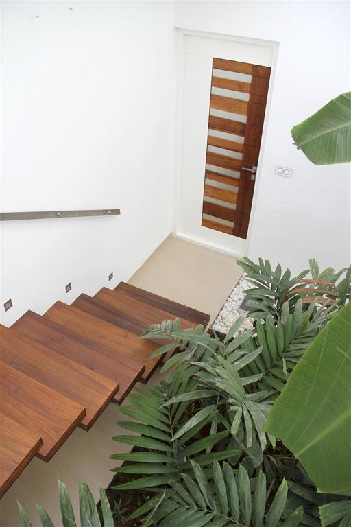 20b stair in the central court