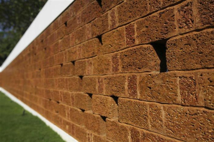 80b laterite wall detail