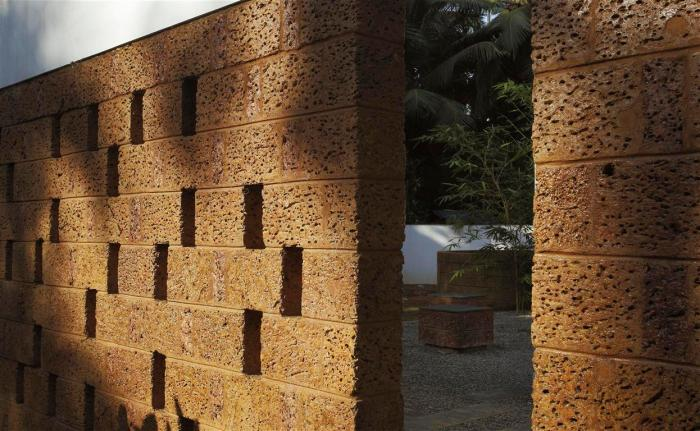 80d laterite wall detail