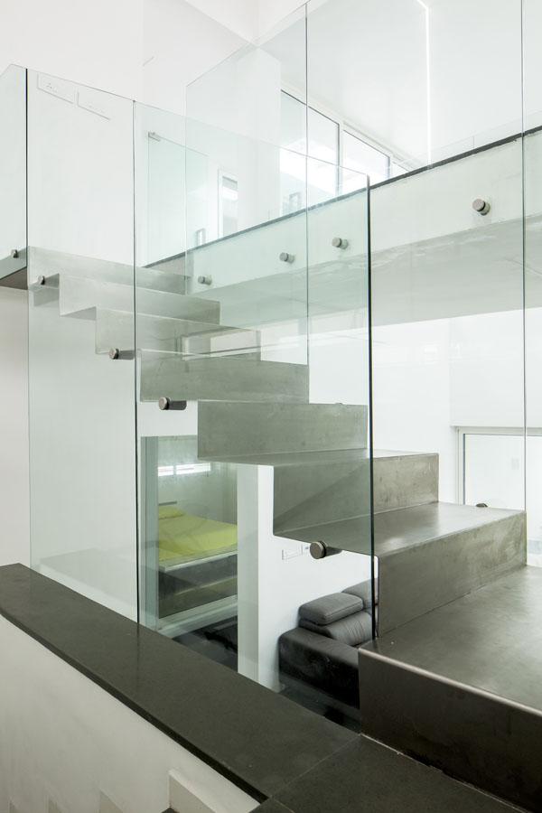 17 - Staircase Bridge Passage l03