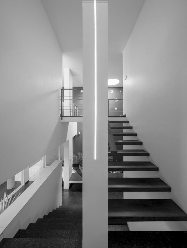 18 - Staircase e01