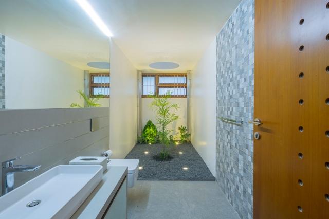 12 - Powder Room 02 LIJO.RENY.architects PM (1)