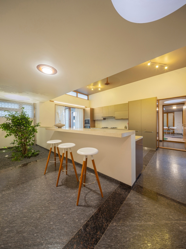 14 - Kitchen + Breakfast Area LIJO.RENY.architects PM (6)