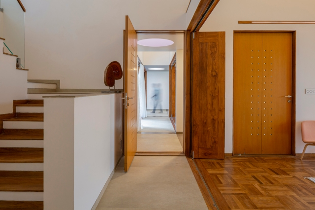 21 - Staircase + Passage LIJO.RENY.architects (PM) (2)